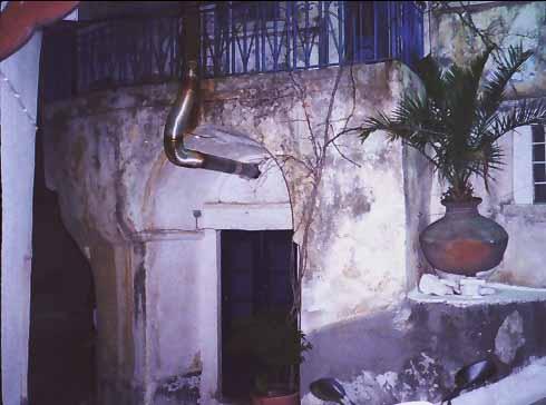Σπίτι (με ημικυκλικό στένεμα), Μαραθόκαμπος Σάμου